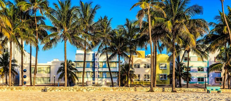 Miami-Beach,-Florida-hotels-and-restaurants-at-twilight-on-Ocean-iStock_000057288262_Large-2-2