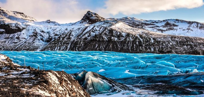 skaftafellsjokull-glacier-in-iceland-part-of-vatnajokull-national-park-shutterstock_347772839-2-707×472
