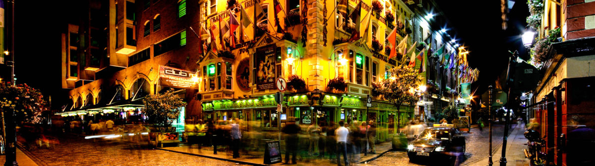 night-view-of-temple-bar-street-in-dublin-ireland-istock_000026797803_large-2