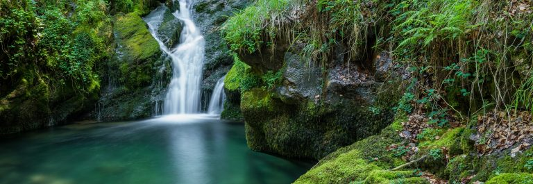 Waterfalls near the source of Zirauntza river, Alava (Spain)_418945561