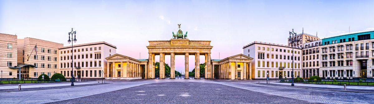 Berlin Brandenburger Tor shutterstock_215961715 – SMALL