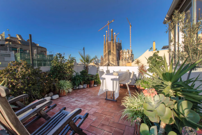 SAGRADA FAMILIA VIEW STUDIO-LOFT