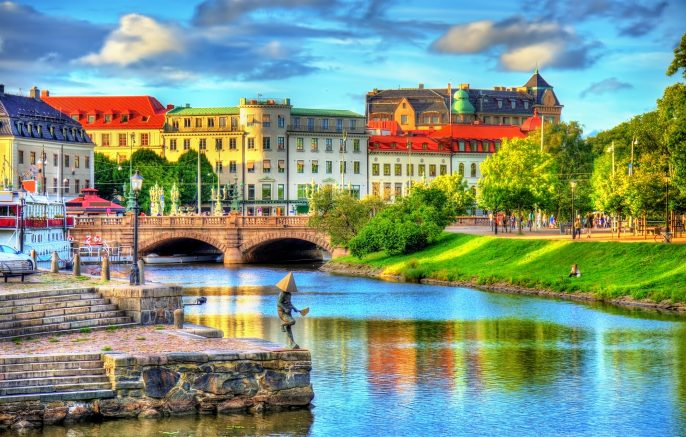 Canal-in-the-historic-centre-of-Gothenburg-Sweden_519605455