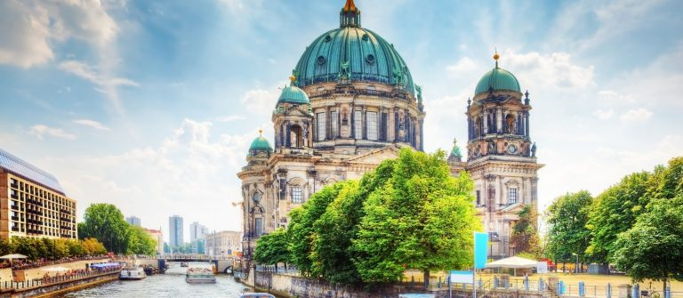 erlin-Cathedral.-German-Berliner-Dom.-A-famous-landmark-on-the-Museum-Island-in-Mitte-Berlin-Germany.-shutterstock_150264563