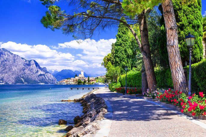 scenery-of-northen-Itlay-Malcesine-Lago-di-garda-shutterstock_261967121-2small
