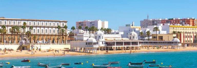 Beautiful-Summer-day-in-beach-of-Cadiz-Andalusia-Spain_533224096