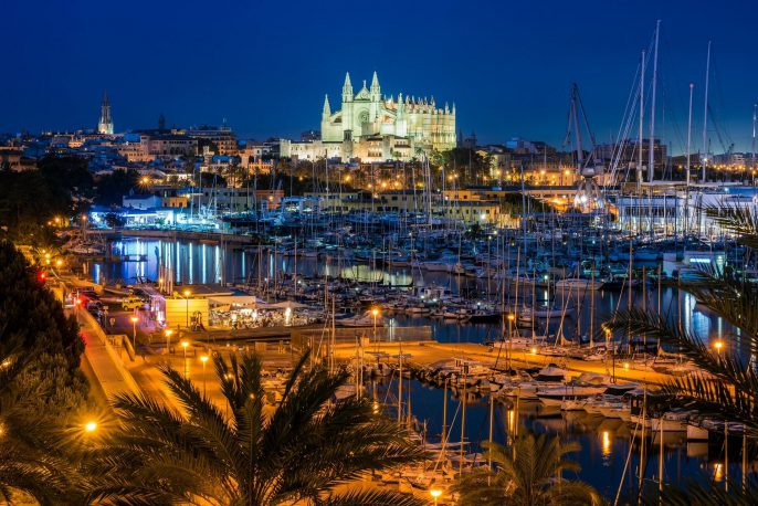Palma-de-Mallorca-at-Night-iStock_103642585_XLARGE-2-1