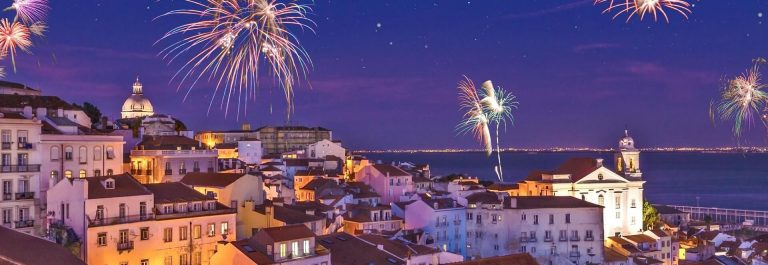Fireworks-above-the-district-Alfama-at-new-years-eve-in-the-portuguese-capital-Lisbon-Assembly_767676589