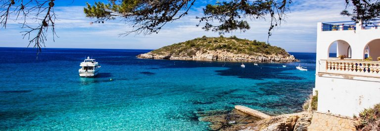 Island-of-Pantaleu-Majorca-Spain-iStock_000024836692_Large-2