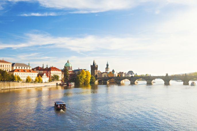 Picture of a sunny day overlooking Charles Bridge in Prague