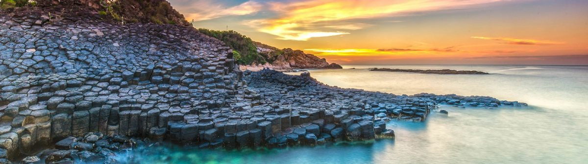 Sunrise-on-Giant-Causeway-iStock_000070777865_Large-2
