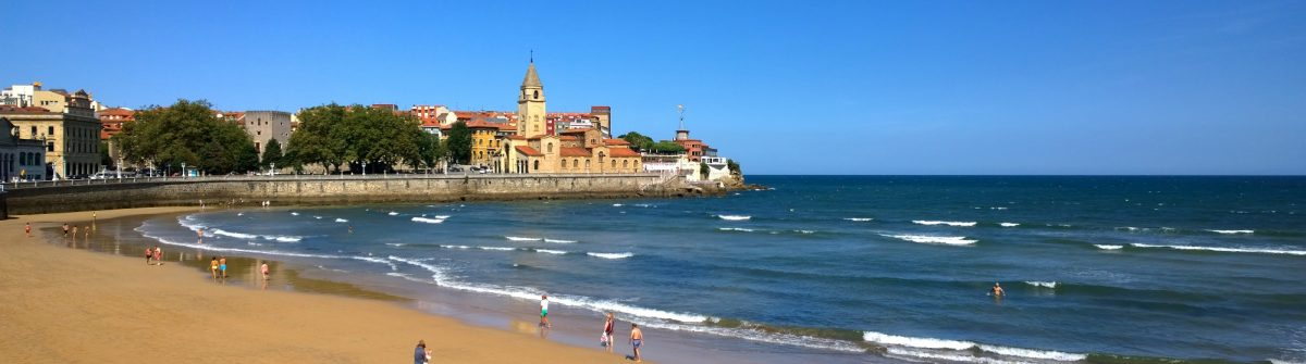 View-of-San-Pedro-church-at-San-Lorenzo-beach-in-Gijon-Asturias-Spain_602212649-2000px