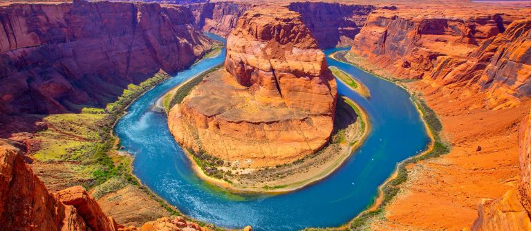 Arizona-Horseshoe-Bend-meander-of-Colorado-River-in-Glen-Canyon_156425756_2000pix