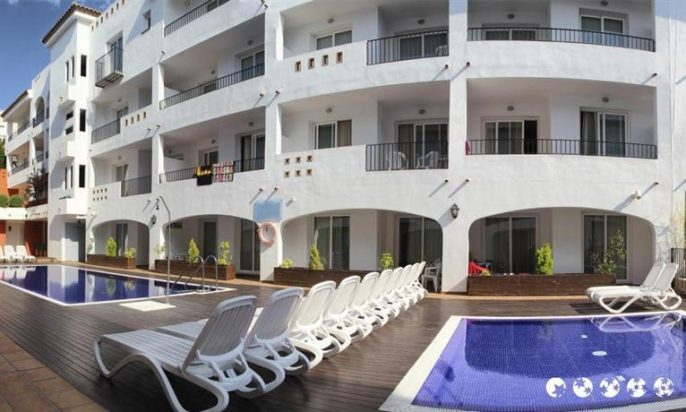 Hotel-Apartamentos-Puerto-Mar1