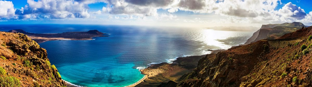 beautiful-volcanic-island-Lanzarote-panoramic-view-from-Mirador-del-rio.-Canary-islands-shutterstock_725619082