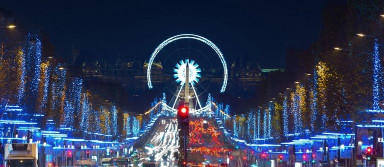 Paris_christmas_shutterstock_229000888_900