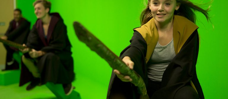 Picsolve-Greenscreen-broomstick-_F8A0101