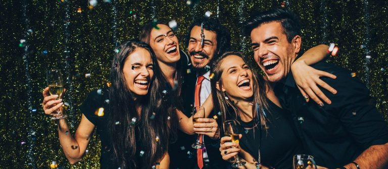 Silvester-party-iStock_79054469_XLARGE-2_1920