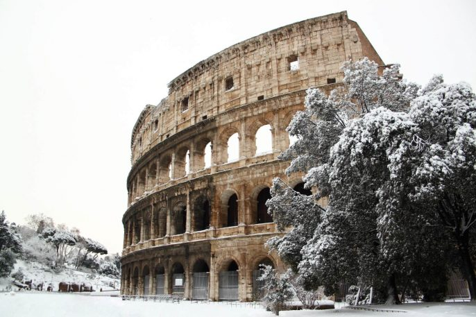 The-Coliseum-covered-by-snow-a-really-rare-event-in-Rome_shutterstock_94388680_smaller