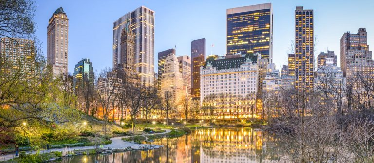 New_york_usa_winter_night_Central_Park_iStock-539069891_1920x1280