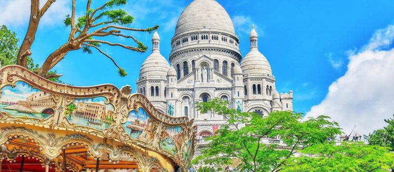 Sacre-Coeur-Cathedral-on-Montmartre-Hill-Paris.-France._shutterstock_515114275_1920x1280