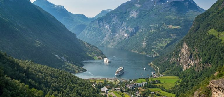 Beautiful-view-to-Geiranger-fjord-Norway_shutterstock_513090841_900x600
