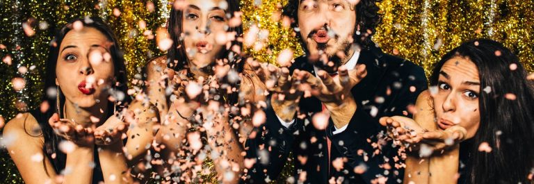 Silvester-party-iStock_78845209_XLARGE-2_1920x1280-1