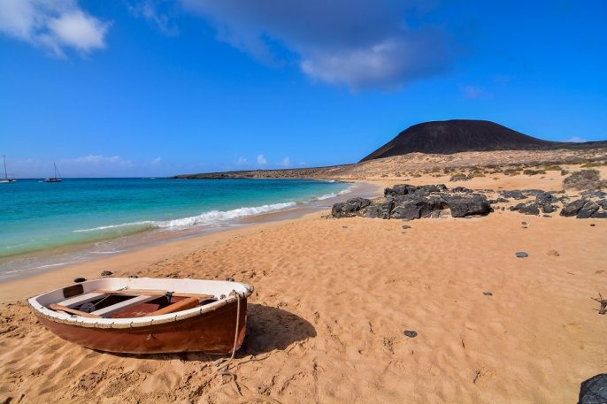 Spanish-View-Landscape-in-Lanzarote-Tropical-Volcanic-Canary-Islands-Spain_shutterstock_511021891_900X600